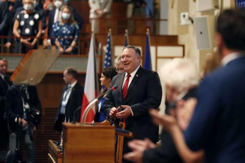 美國國務卿龐畢歐在捷克參議院演說(AP)