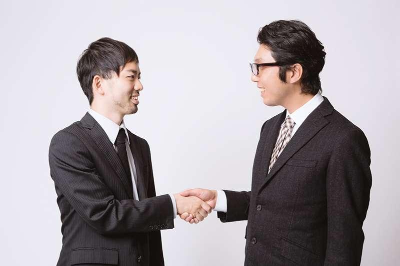 要判斷一個人是否值得信賴,其實只需要「五分鐘」!(圖/取自Pakutaso)