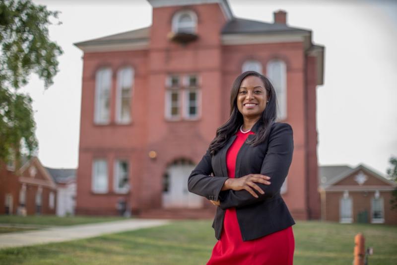 珍妮弗·卡羅爾·福伊(Jennifer Carroll Foy)期望成為美國第一位黑人女性州長。(取自BBC News 中文)