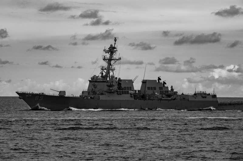 20200819-昨天傳出有一艘美軍驅逐艦通過台灣海峽,國防部今天上午證實,該艘美軍作戰艦實際上為伯克級飛彈驅逐艦馬斯廷號(USS Mustin)。(取自USS Mustin(DDG 89)臉書粉專)