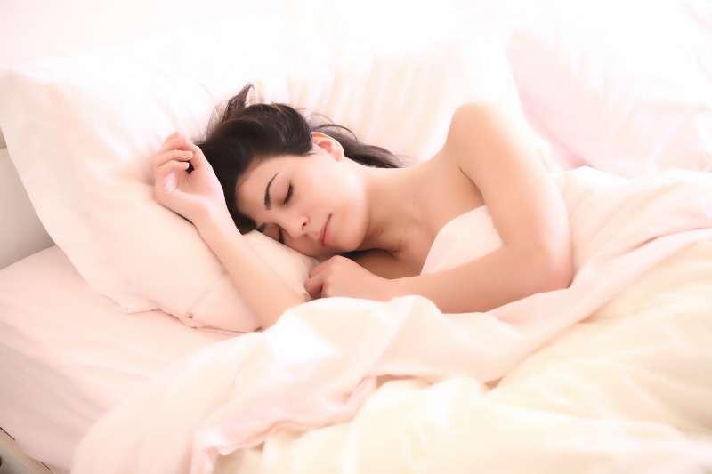 因為失眠而困擾嗎?學會這幾招讓你安穩入睡!(圖/取自pixabay)