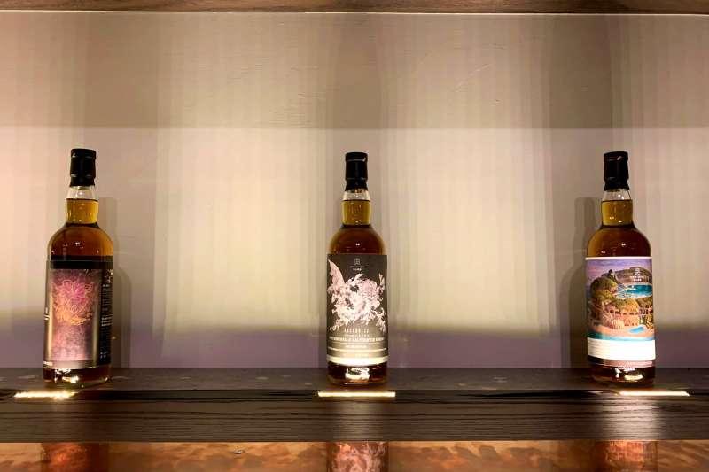 S&W Gallery台灣藝術家聯名系列的第二三四號產品也已經設計完成,但第五款目前還處於保密階段。(圖/柯翎肇攝)