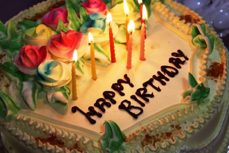 除了Happy Birthday,你想不到用其他方式祝福別人了嗎?這裡分享9句實用祝福語,讓你不再詞窮(圖/取自pexels)