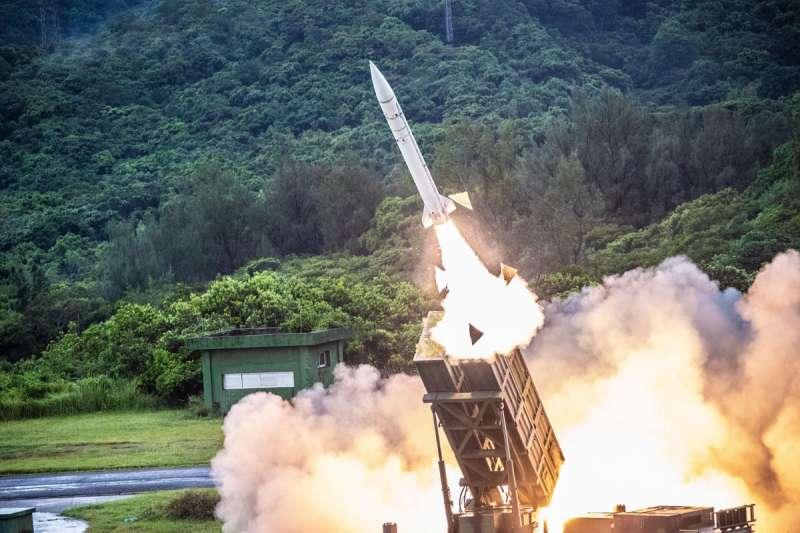 天弓系列防空飛彈,在守護台灣天空扮演吃重角色。(國防部提供)