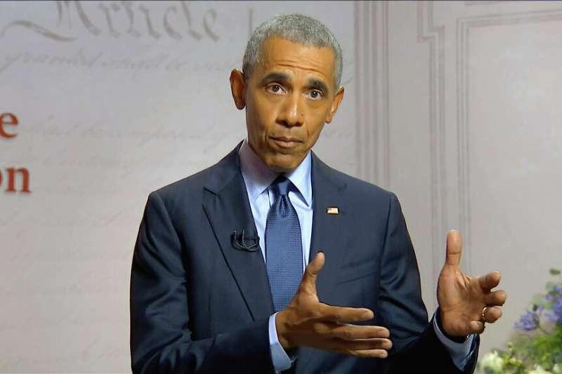 美國前總統歐巴馬19日出席民主黨全國代表大會。(AP)