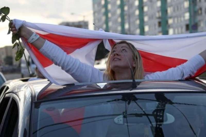 許多抗議者認為,國家正在「變天」。(BBC News中文)
