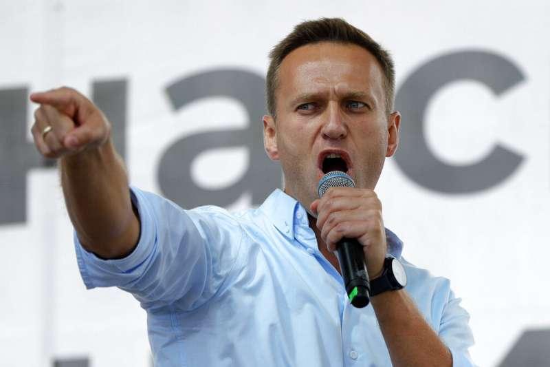 被視為俄羅斯總統普京最大威脅的反對派領袖納瓦爾尼20日疑遭下毒,命危送醫急救。(AP)