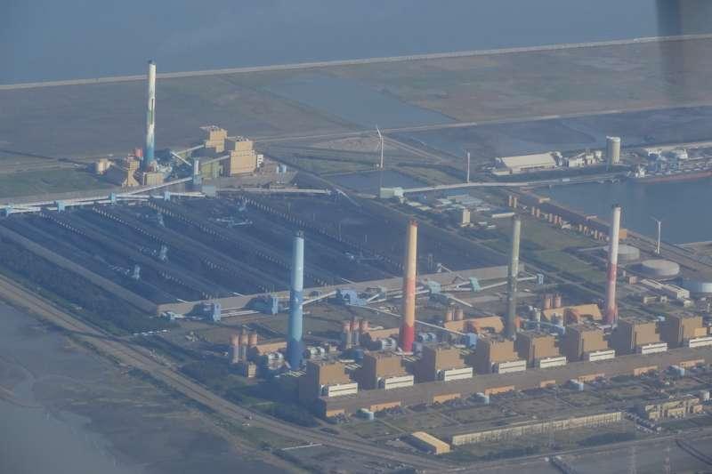 中部空品變差,臺中市府協調台電公司對中火降災載發電。(圖/臺中市政府提供)
