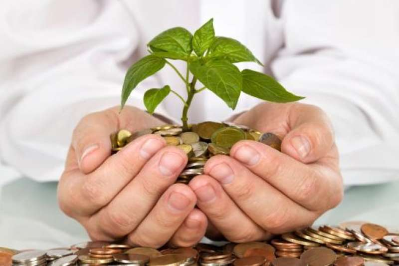 追求財富自由是許多人的理財目標,但究竟該如何做,才能比別人早一步成為有錢人呢?(圖/financial wellnessaus@ flickr)