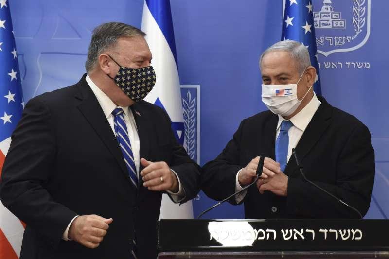 美國國務卿龐畢歐與以色列總理納坦雅胡(AP)