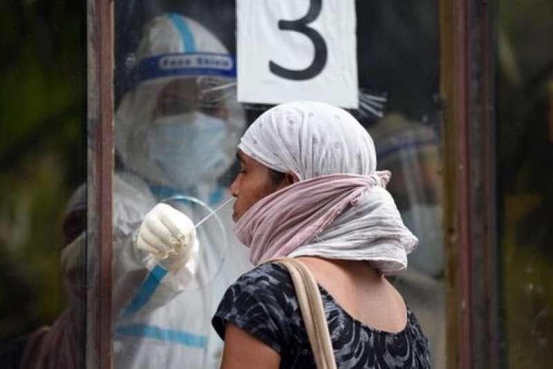 印度德里近期加強了新冠檢測,發現女性患者多於男性。(BBC中文網/Getty Images)
