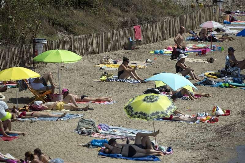 BBC記者博克曼(Chris Bockman)解釋說,這裏不但有「天體度假村」,還有十幾所夫妻性伴侶交換俱樂部。圖為示意圖。(AP)