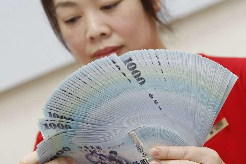 匯率波動,對於毛利率低的中小企業往往會造成很大衝擊。(郭晉瑋攝)