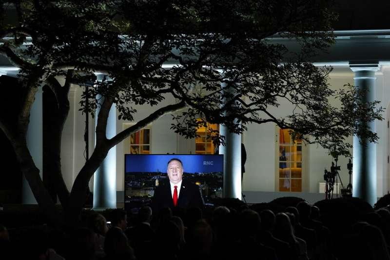 美國共和黨全國代表大會25日進入第二天,正在中東出訪的美國國務卿龐畢歐透過預錄影片方式發表演說。(AP)