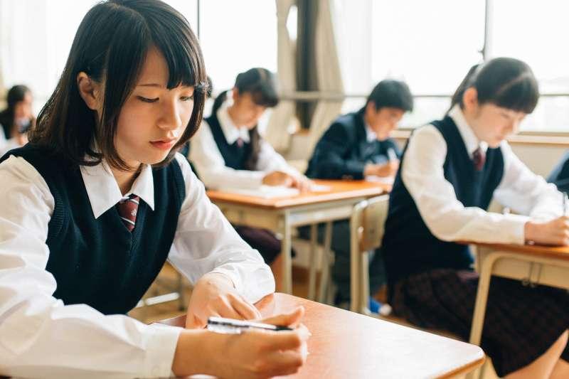 傳統教學中因資源有限,無法滿足每一位學生的需求。Snapask用數位科技打破教育框架,打造最佳自學力。(圖/Snapask提供)