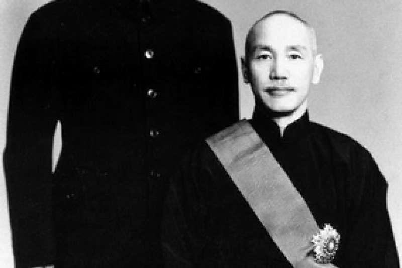 筆者指出,蔣介石所言「中華民國已經死亡了」,是在國家風雨飄搖、軍民灰心喪志的情況下,所說的激勵部下之詞。(取自維基百科)