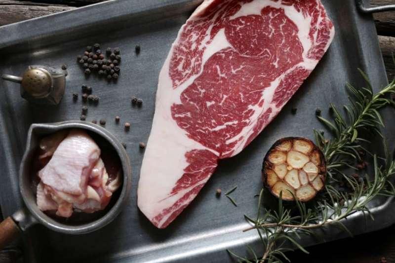 美國 PRIME 肋眼牛排。(圖/一頭牛燒肉餐廳提供)