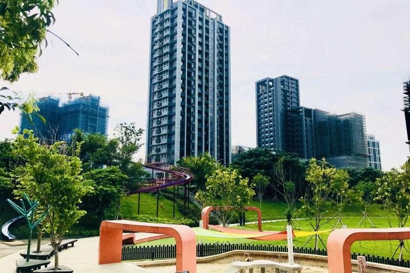 風禾公園是桃園知名溜滑梯主題公園,吸引外地客打卡朝聖,房價也跟著受惠。(台灣房屋提供)