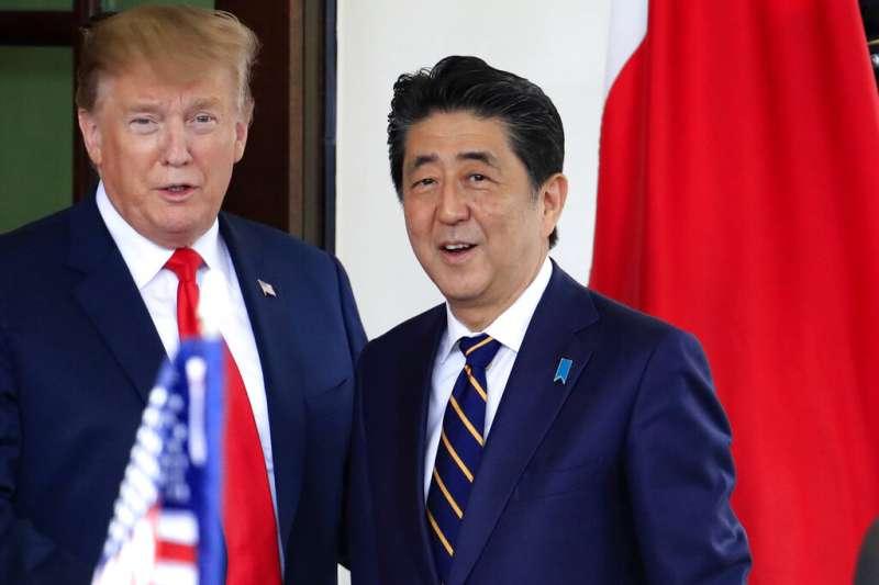 日本前首相安倍晉三與美國總統川普。(美聯社)