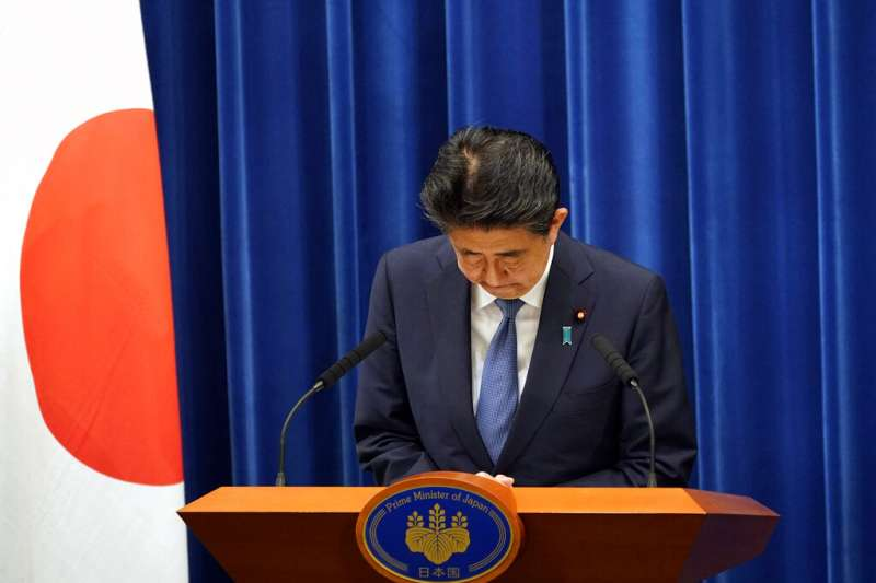 2020年8月28日,日本首相安倍晉三因為健康因素,再次請辭內閣總理大臣。(美聯社)