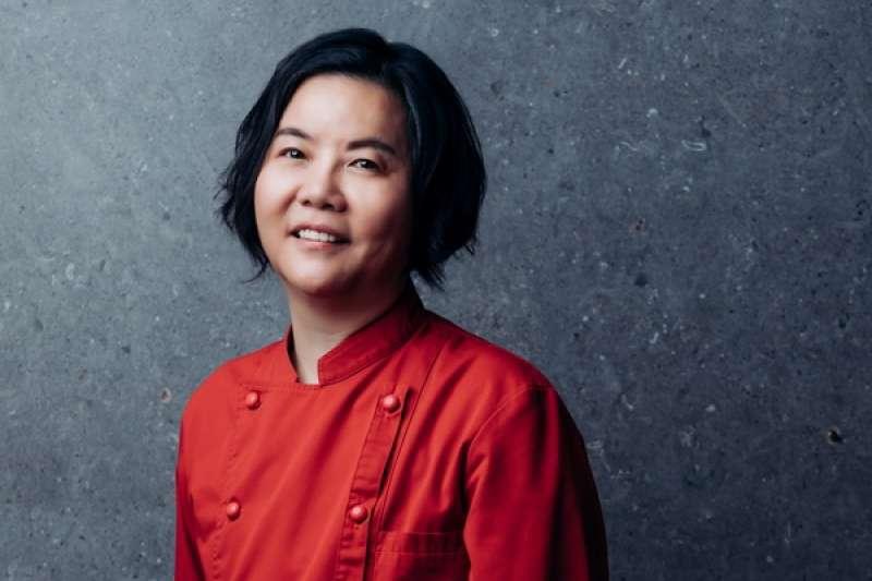 鹽之華餐廳主廚黎俞君,憑著對料理的熱愛,不斷突破自己,拿下米其林一星殊榮(圖片來源:米其林官網)