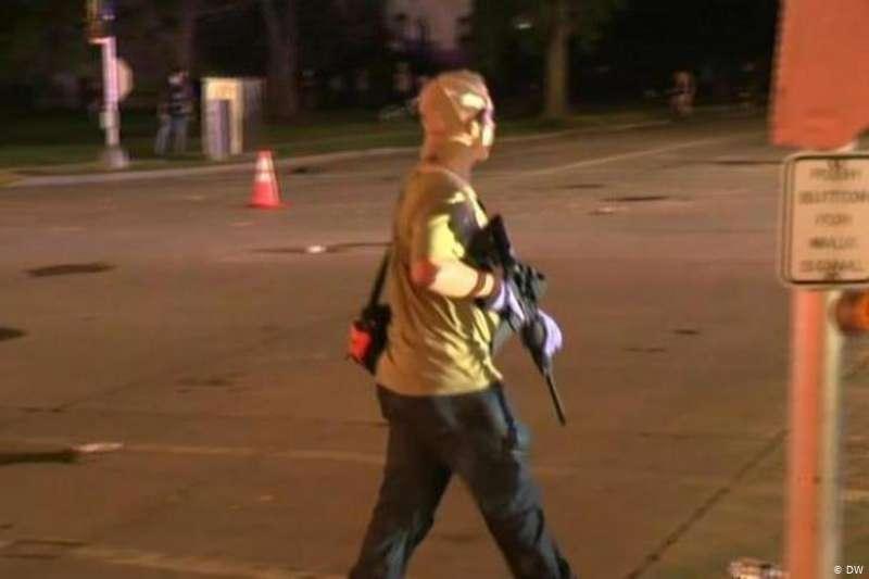 德國之聲獨家捕獲美國17歲少年槍手鏡頭(DW)