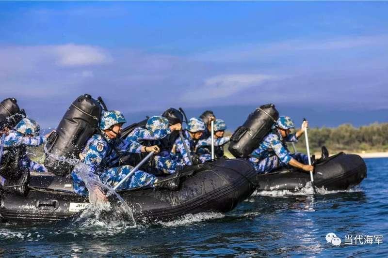 中國海軍陸戰隊的演訓情況。(中國軍網)