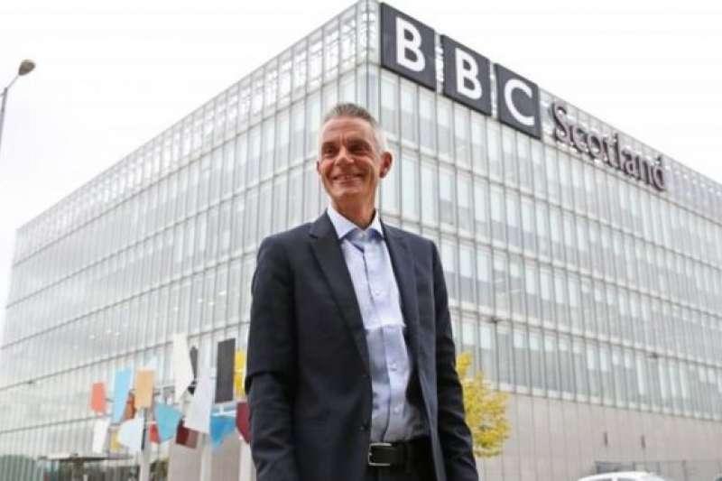 BBC新總裁戴維走馬上任第一天,前往BBC在蘇格蘭的總部格拉斯哥(BBC中文網)