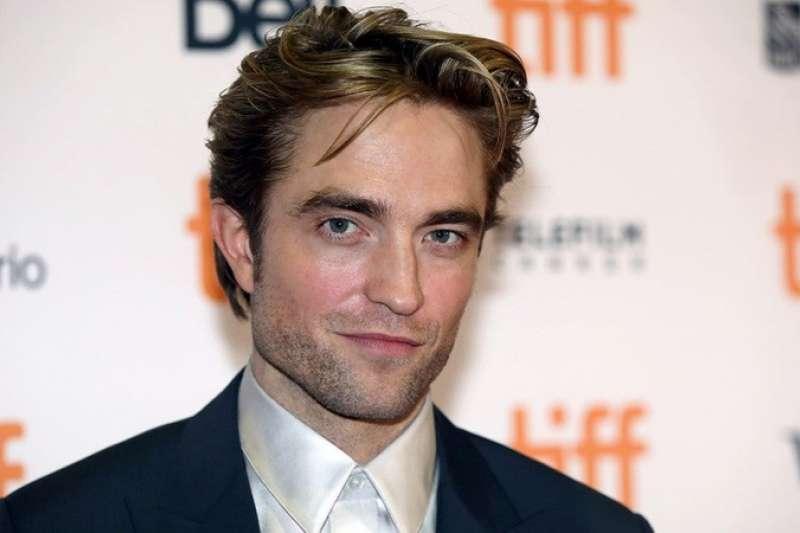 羅伯派汀森(Robert Pattinson)以《暮光之城》爆紅後,演藝之路發生什麼樣的轉變呢?(圖/取自Entertainment Tonight)