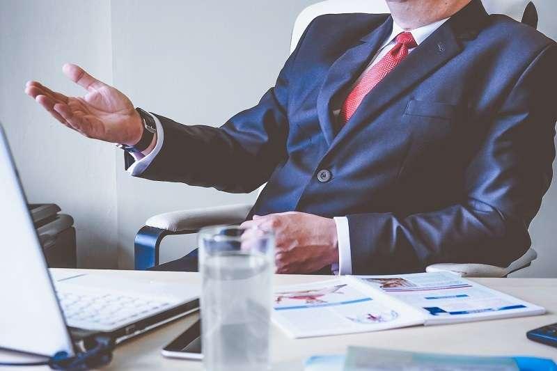 一般人的職涯若從25歲開始算到65歲退休,至少會遇到兩次「考慮轉業」、「考慮辭職換公司」、「考慮創業」或「被迫失業」的危機。(圖/pixabay)