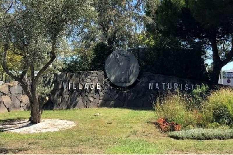 1法國南部的天體度假村是享樂者的天堂。(圖/BBC News)