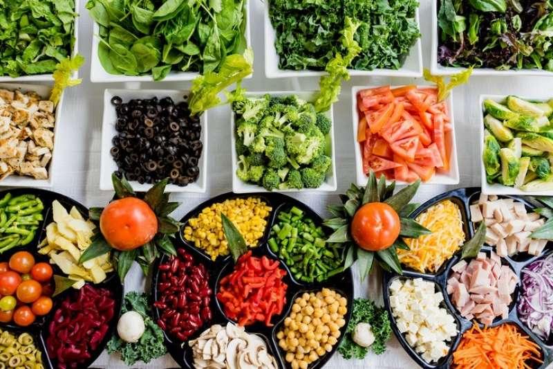 飲食均衡才能避免血糖下降,維持身體正常運作(圖/取自Dan Gold@Unsplash)