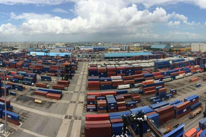 財政部7日公布8月進出口貿易初步統計,其中我國出口額高達311.7億美元,創下歷年單月新高。(資料照,港務公司提供)