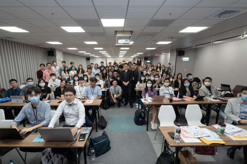 由長風基金會、國立清華大學立德計畫共同舉辦的第1屆「亞洲青年論壇」,邀請全球11個國家、共78位青年學生參與。(長風基金會提供)