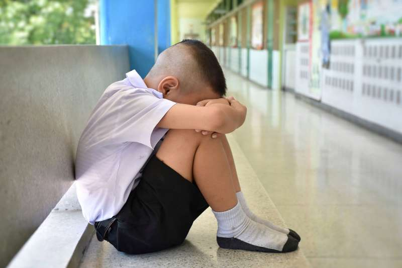 面對救也救不完的學生,感到很無力的時候怎麼辦?(圖/取自shutterstock)