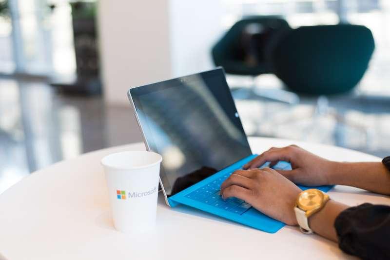 比起Mac,你是否也發現Windows的觸控板比較不好用呢?(圖/取自Unsplash)