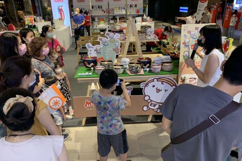 瑞康屋推出超吸睛麻吉貓防溢提鍋,大人小孩都喜愛。(圖/瑞康屋提供)