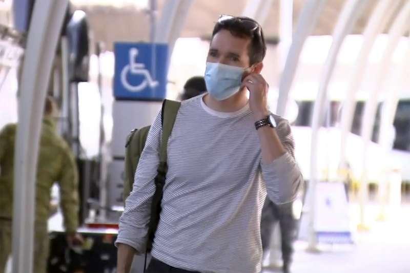 澳洲廣播公司記者伯拓斯,因遭公安威脅調查,8日緊急出境返澳。(AP)