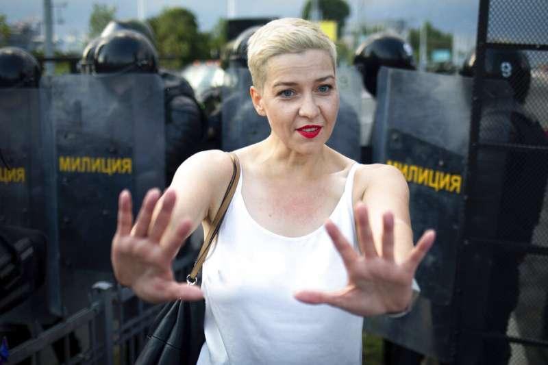 白俄羅斯反對派領袖柯列斯尼可娃8月出席反政府示威。(AP)