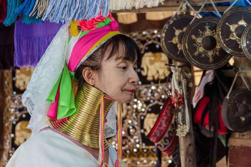 泰國長頸族婦女(取自Pixabay)