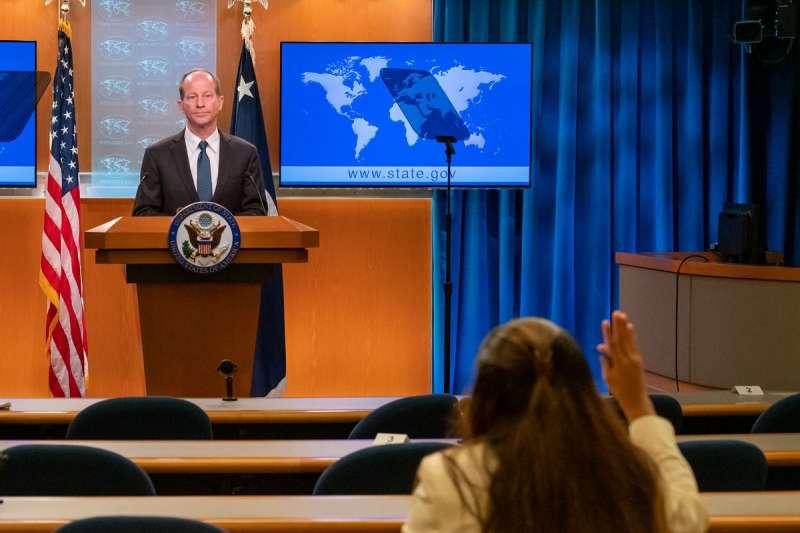 美國亞太助卿史達偉在會議上重申雷根的「六項保證」。(資料照,翻攝自U.S. Asia Pacific Media Hub Twitter)