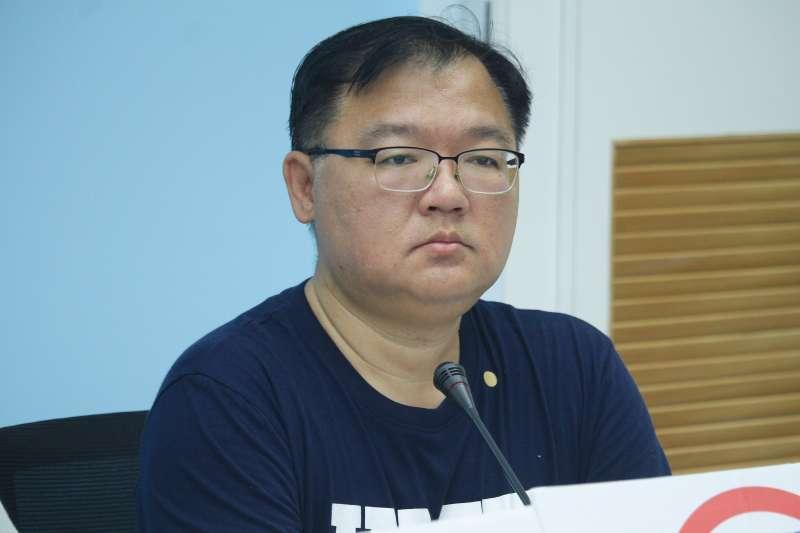 中國禁台灣鳳梨 藍委嗆挺綠農民:這難道不是你們投票時該思考的風險?-風傳