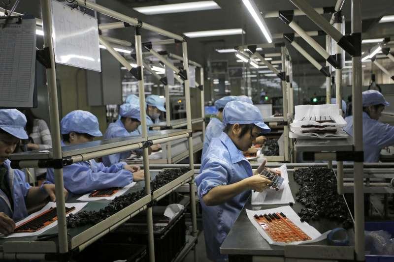 美方與台灣可望在產業轉型與供應鏈重組中合作,經貿關係將大幅開展。(美聯社)