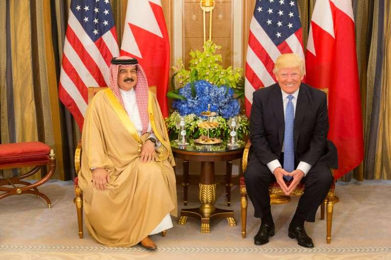 2017年巴林國王哈麥德會見美國總統川普。(AP)