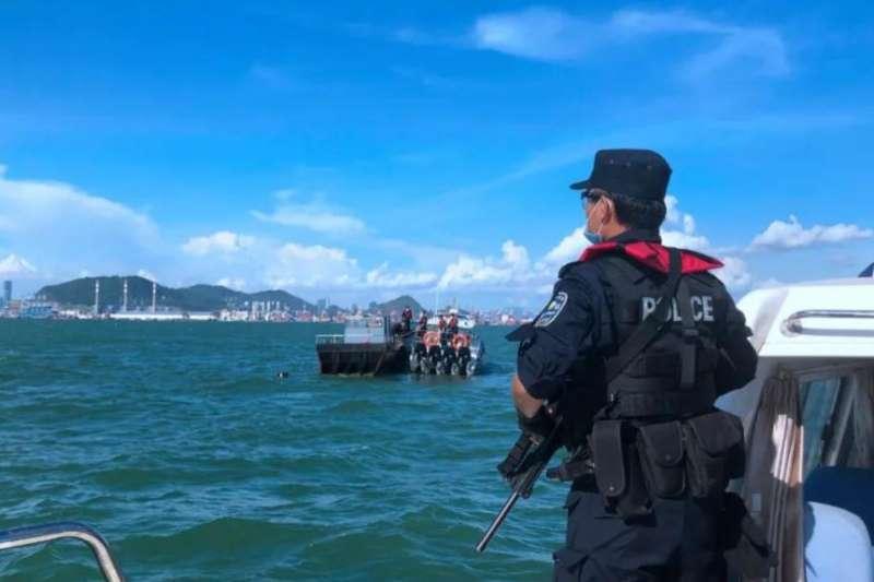 深圳警方海上巡邏。(深圳市公安局網站)