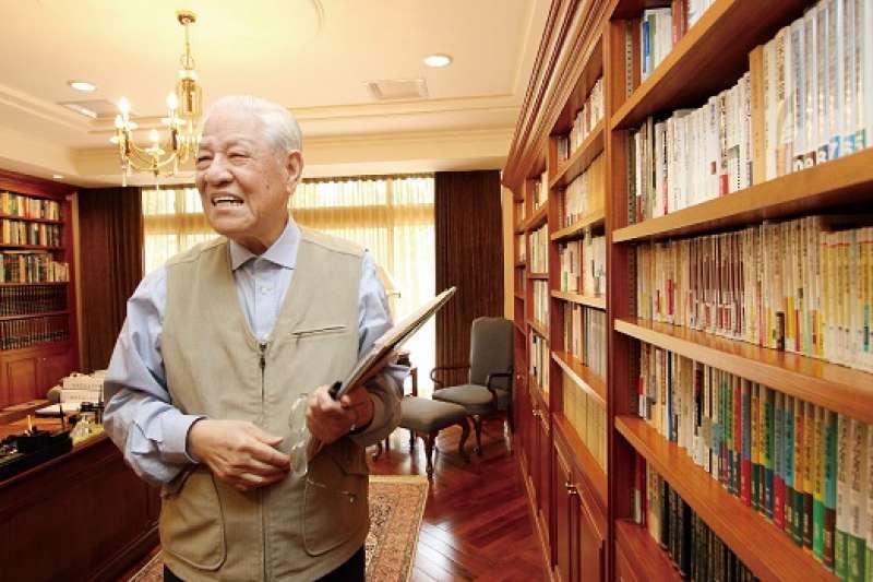 前總統李登輝(見圖)於7月辭世,立委提出「國立李登輝總統紀念圖書館組織法草案」。(資料照,取自總統府,蔡育豪攝)