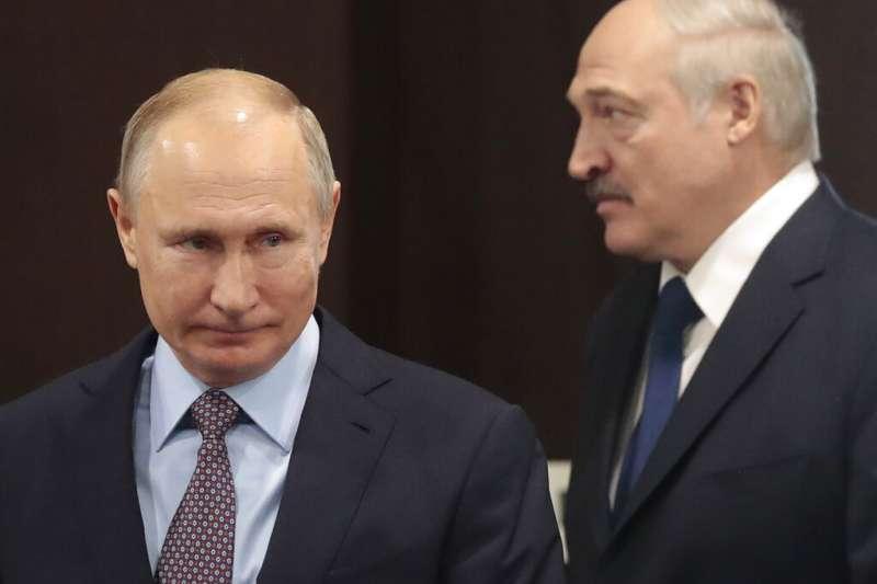 白羅斯總統盧卡申科親赴莫斯科面見普京求援。俄羅斯總統普京承諾,一旦白俄羅斯危機惡化,將對白俄羅斯提供安全幫助。(美聯社)
