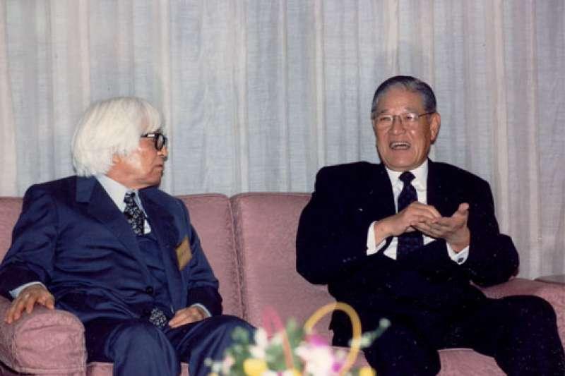20200915-1993年1月5日,已故前總統李登輝與司馬遼太郎三度對談,提及生為台灣人的悲哀。(取自總統府)