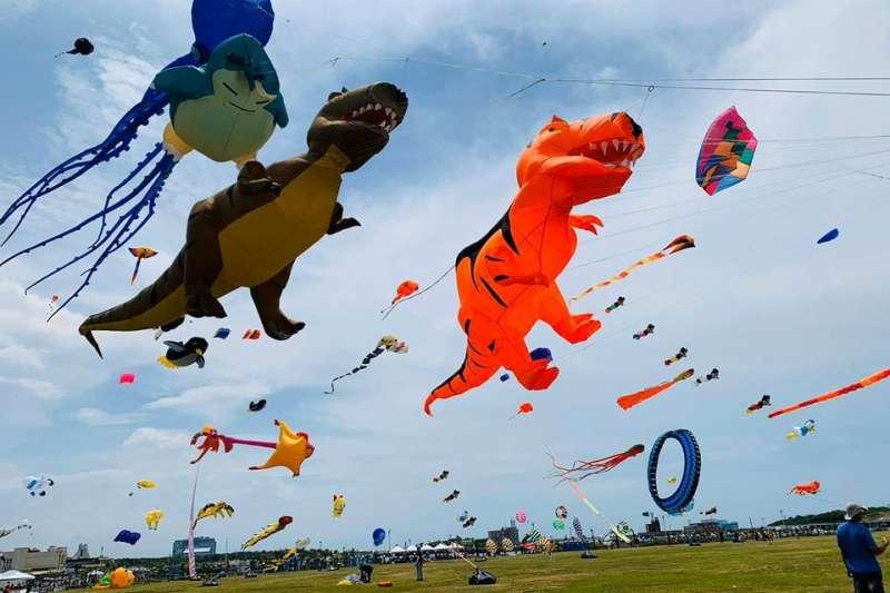新竹市政府8月舉辦國際風箏節,卻驚傳女童遭捲上天的意外。示意圖。(取自新竹市國際風箏節臉書)