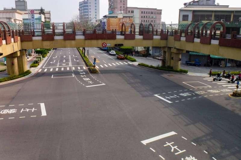 豐原市區已經使用30年的中正路天橋,台中市政府建設局規劃從17日晚間啟動拆除作業。(圖/臺中市政府提供)